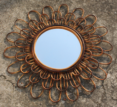 Miroir vintage rotin fleur, années 60