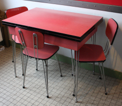 table formica rouge, pied eiffel, 1950
