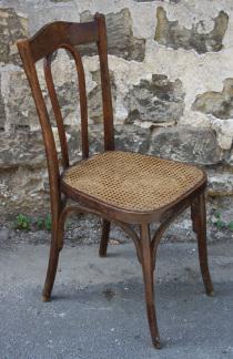chaise de bistrot numérotée, bois et canage