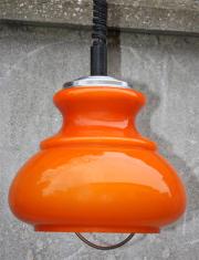 Suspension opaline orange monte et descend