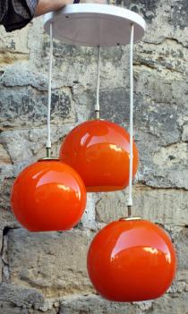 Lustre cascade, globes orange opaline, années 70