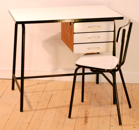 plan de travail formica plan de travail en stratifi euros le plateau de l x p with plan de. Black Bedroom Furniture Sets. Home Design Ideas