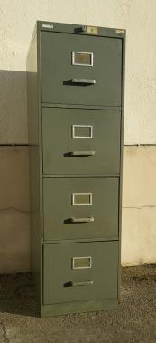 Meuble métallique 4 tiroirs, vintage, années 50.