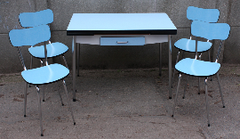 Table formica bleue, marque Elem