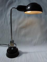 lampe à poser Charlotte Perriand pour Jumo