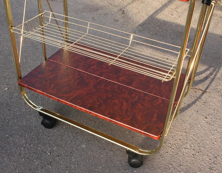 broc co dessertes vintage 1950 1960 et 1970 dessertes vintage formica. Black Bedroom Furniture Sets. Home Design Ideas