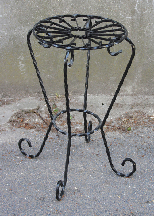 Superb porte plante fer forge 9 porte pot porte plante for Porte plante fer forge