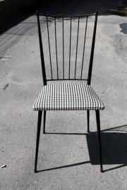 chaise 950, acier et vynil