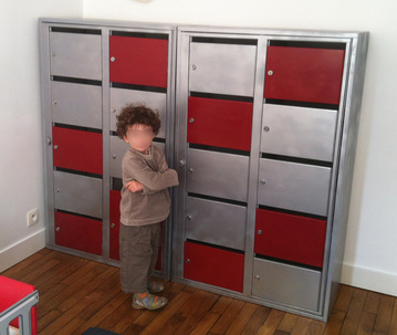casiers métalliques relookés pour chambre d'enfant