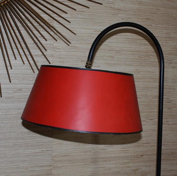 Lampadaires vintage ann es 50 60 et 70 lampadaire lampe for Lampe sur pied avec tablette