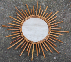 Miroir soleil en rotin, années 60