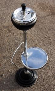 Cendrier sur pied en métal, des années 60
