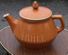 pot à huile vintage en porcelaine