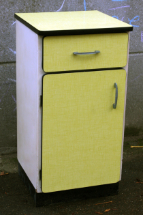 Buffet formica jaune, vintage années 60