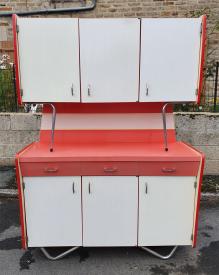 Buffet formica rouge et gris, 3 portes, années 60
