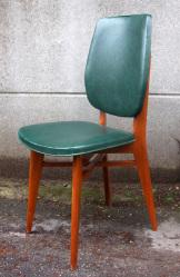 Chaise vintage, skaï et bois, vers 1950