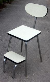 Chaise formica, marche pied, VOLO, 1950, jaune pâle