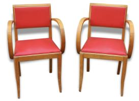 Fauteuils bridge vintage rouge, table basse années 50