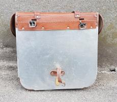 Paire de sacoches vintage pour vélo ou mobylette.