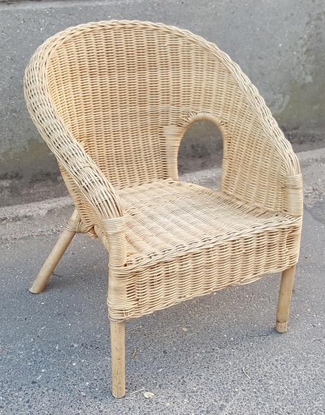 chaise enfant rotin fauteuil en rotin pour enfant chaise enfant rotin fauteuil en rotin enfant. Black Bedroom Furniture Sets. Home Design Ideas