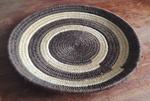 Panier tressé africain, du Bostwana, marron et crème